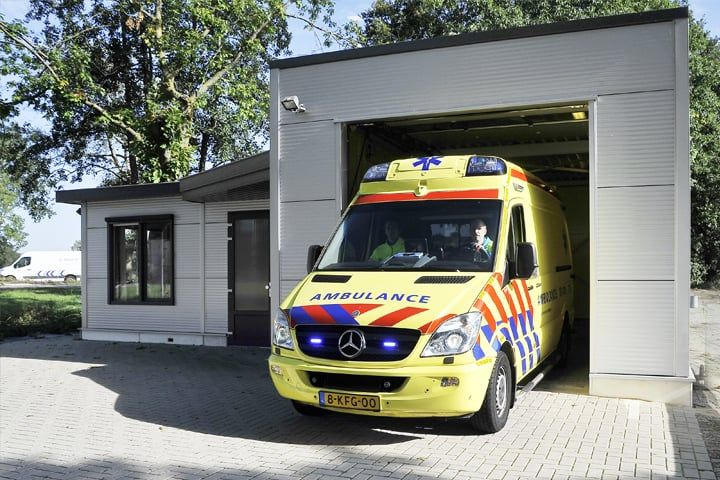 Ambulancepost_3